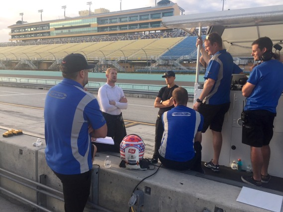 Carlin completes first day of INDYCAR testing at Homestead-Miami Speedway